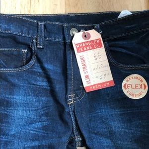 Boys NWT wrangler jeans